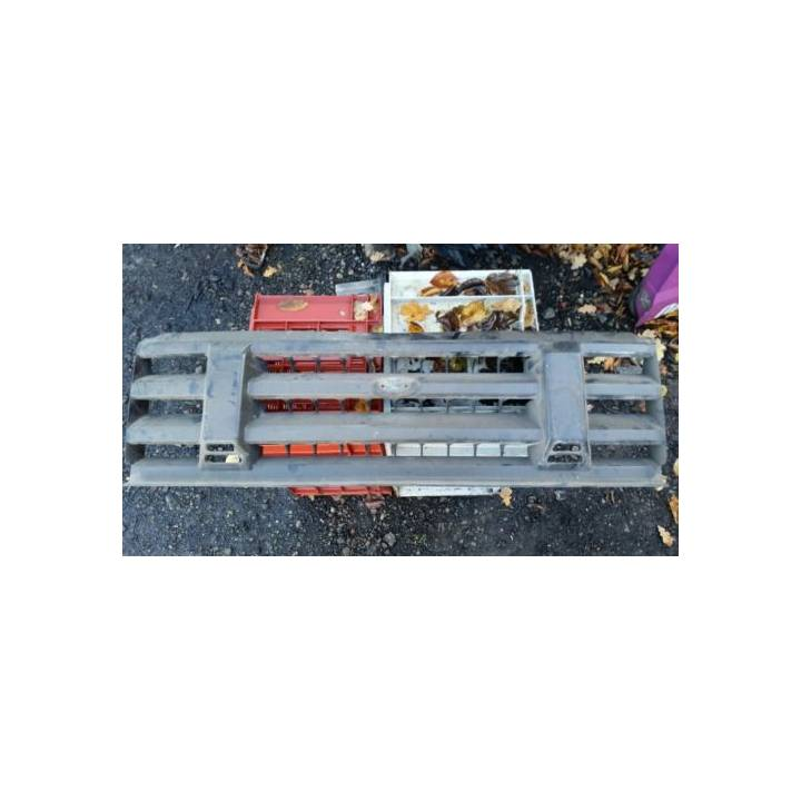 LANDROVER DISCOVERY 300TDI FRONT GRILL
