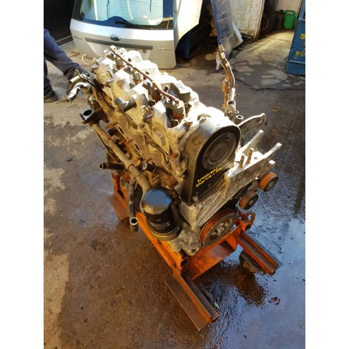 Kia Santa FE Trajet 2.0CRDI 16V Engine with Injectors 2000-2006